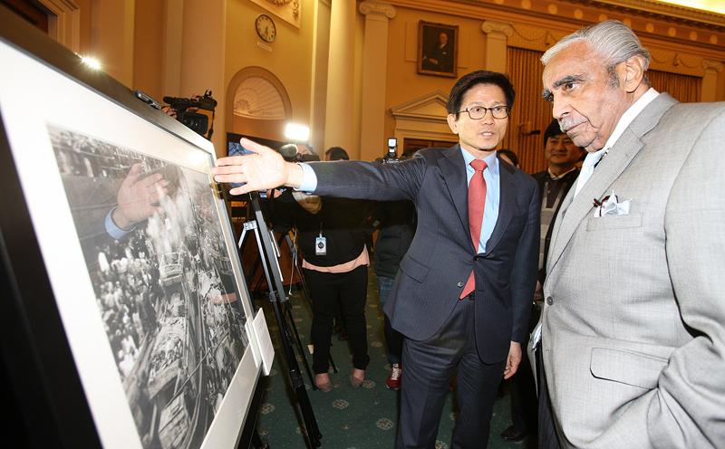Governor Kim promotes DMZ among US Congress members이미지