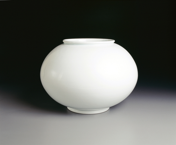 White Porcelain - Reflection of the Moon in Honor of the Sexcentennial of Gyeonggi Province이미지